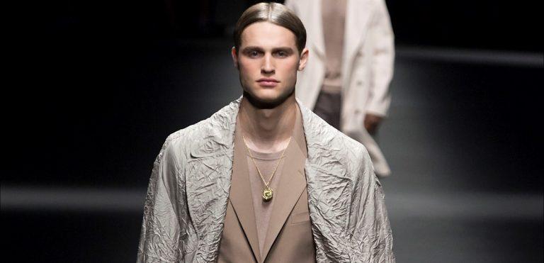 collezione uomo SS 2017 Versace a Milano Moda Uomo
