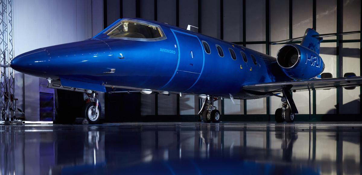 Il Learjet31 Nel Blu Dipinto di Blu personalizzato dal Garage Italia Customs