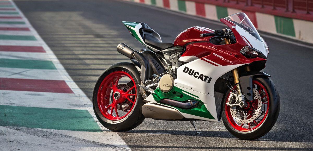 la nuova Ducati 1299 Panigale R Final Edition tributo al motore bicilindrico protagonista del Mondiale Superbike dal 1988