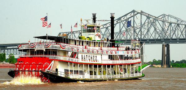 Il battello a vapore Natchez simbolo di New Orleans