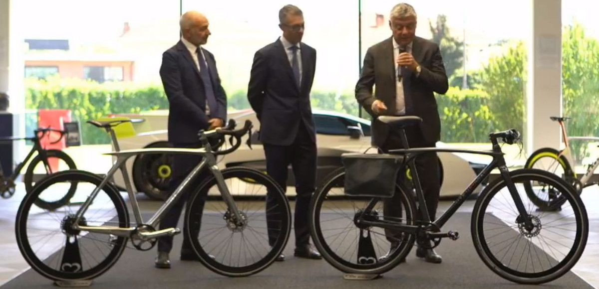 La bicicletta Metamorphosis, prima Sport Utility Bike firmata De Rosa e Pininfarina