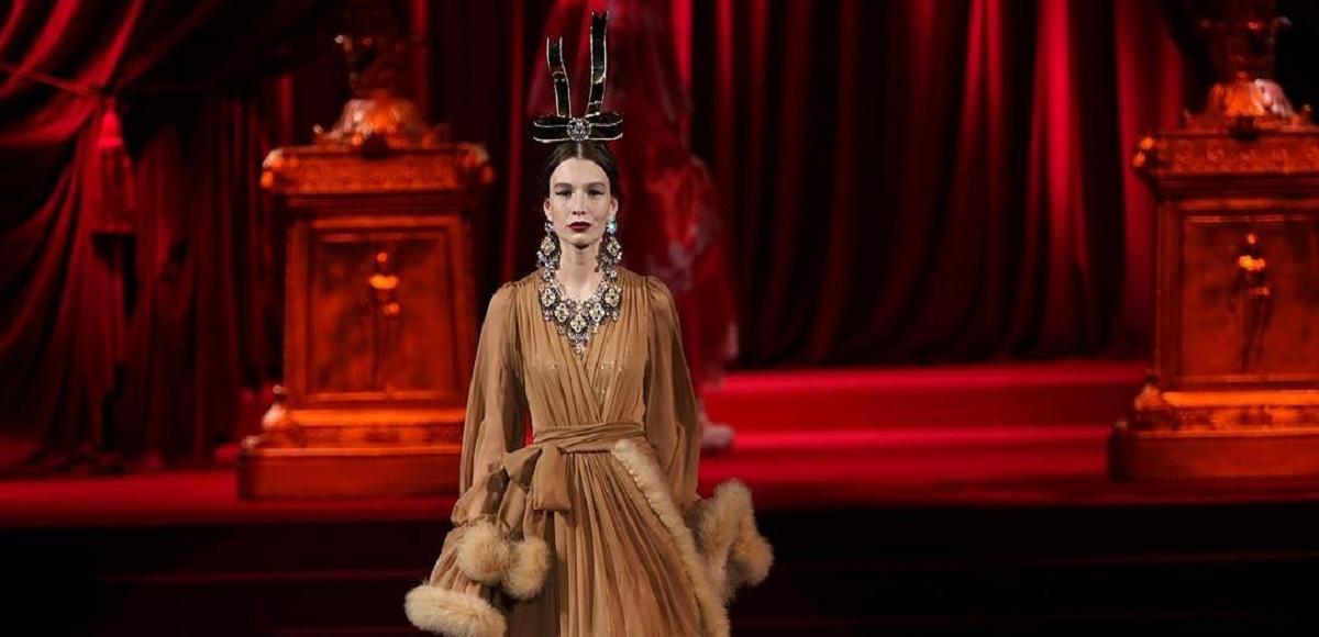 Tendenza Moda Barocco A/I 2019-20 La moda riscopre lo splendore delle corti Europee
