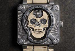 Orologio Laughing Skull White Il teschio firmato Bell & Roses che scandisce il tempo