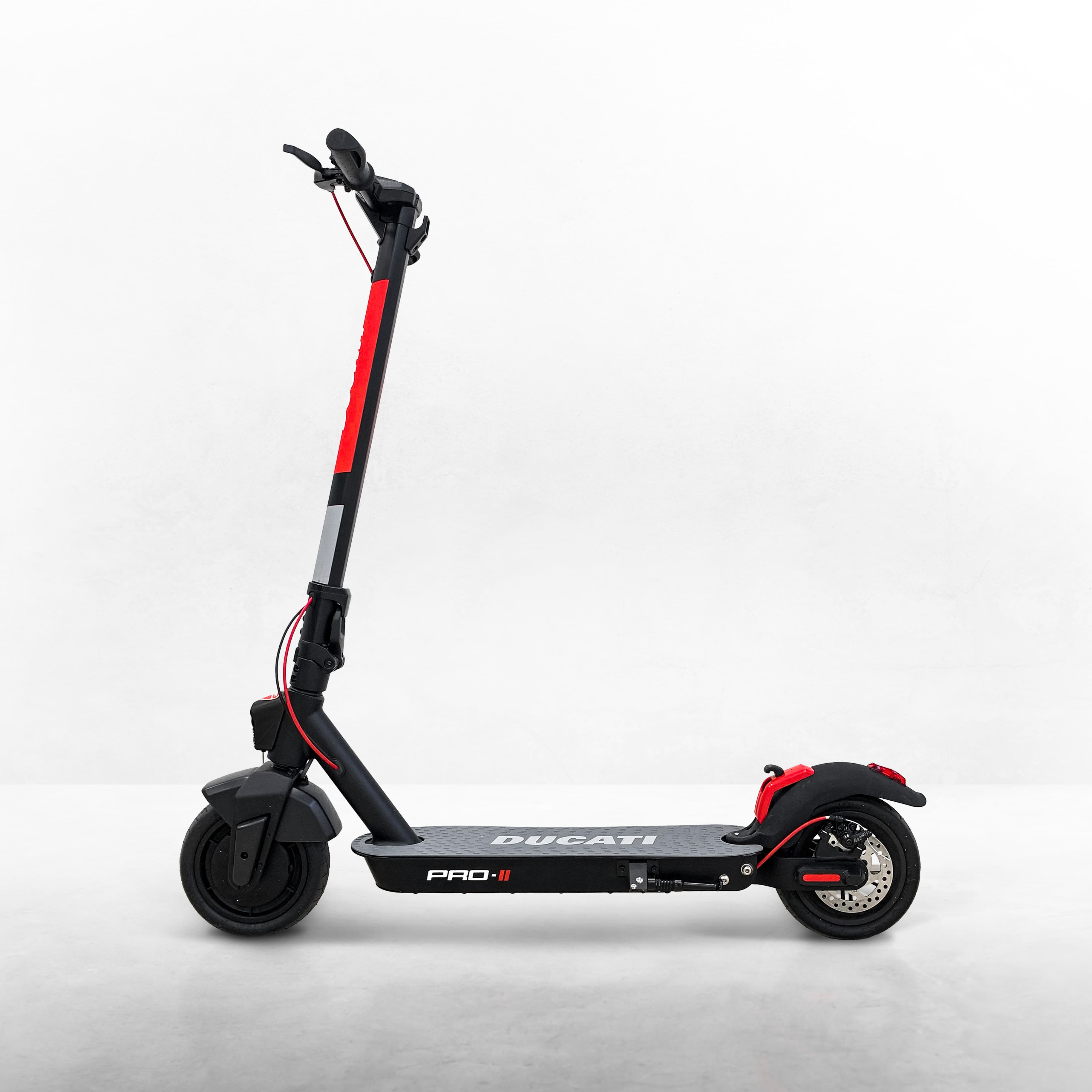 Monopattini elettrici Ducati: la nuova linea di micromobilità