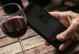 Combivino: arriva l'app che aiuta a scegliere il vino