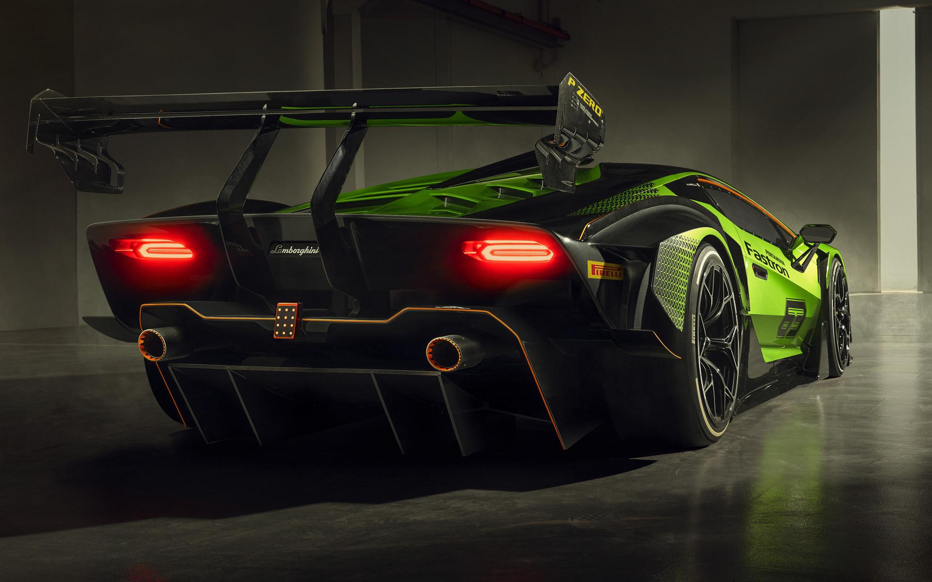 Lamborghini Essenza SCV12 40 esemplari destinati all'utilizzo in pista