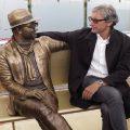 Lucio Dalla statua Rimini: il cantautore rivive in Darsena
