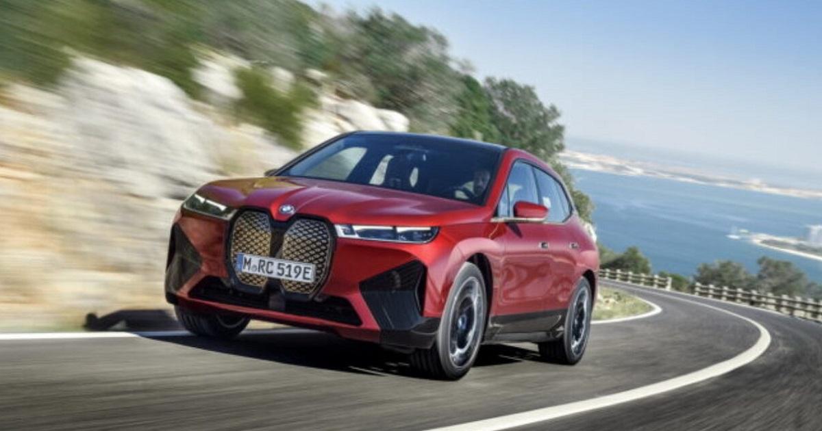 BMW iX: il nuovo SUV 2021 della casa bavarese è elettrico