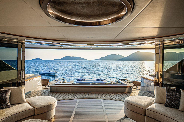 Benetti Yachts Oasis 40M Rebeca