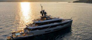 Benetti Yachts Oasis 40M Rebeca Relax e Benessere galleggiano su 40 metri di lusso sfrenato
