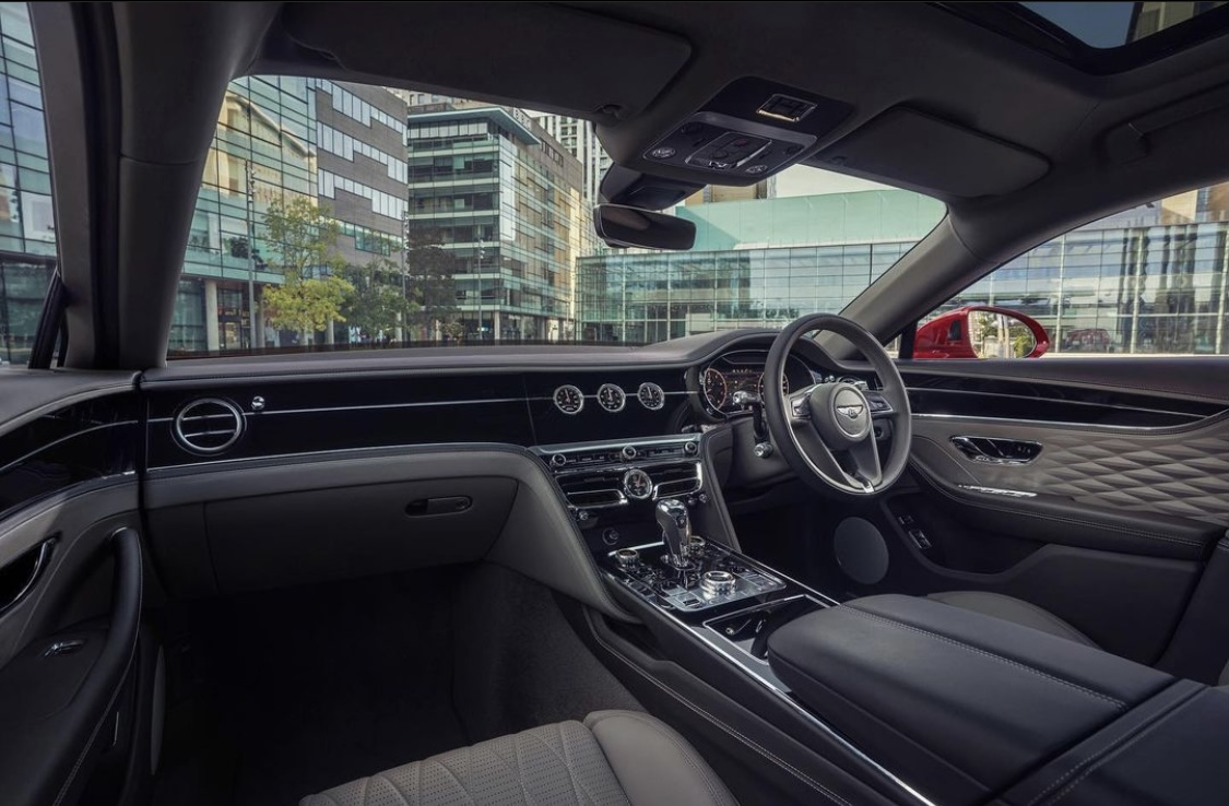 Nuova Bentley Flying Spur V8