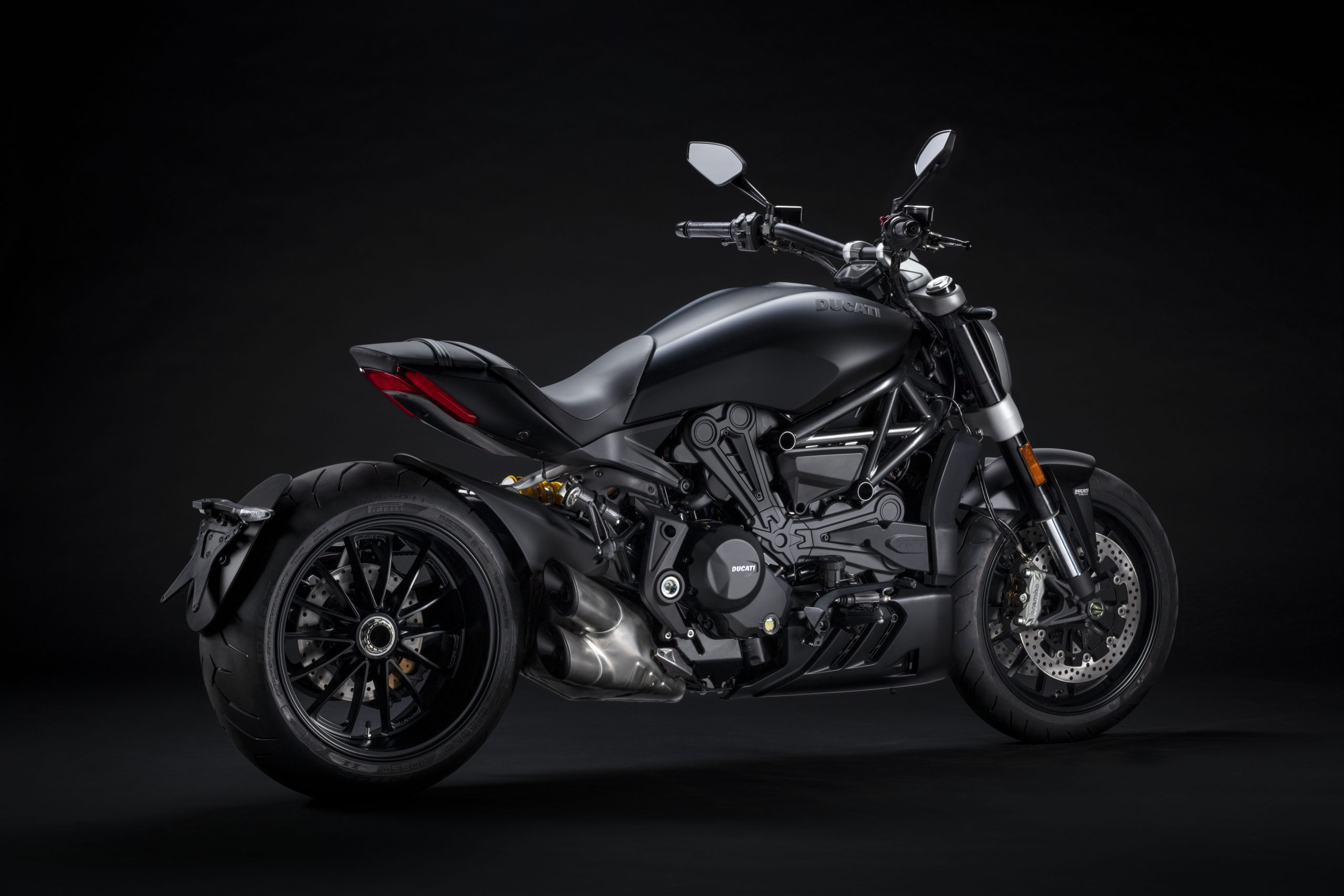 Ducati XDiavel 2021: dark o black star?