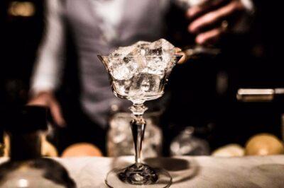 Cocktail fai da te: come preparare a casa i drink più costosi al mondo