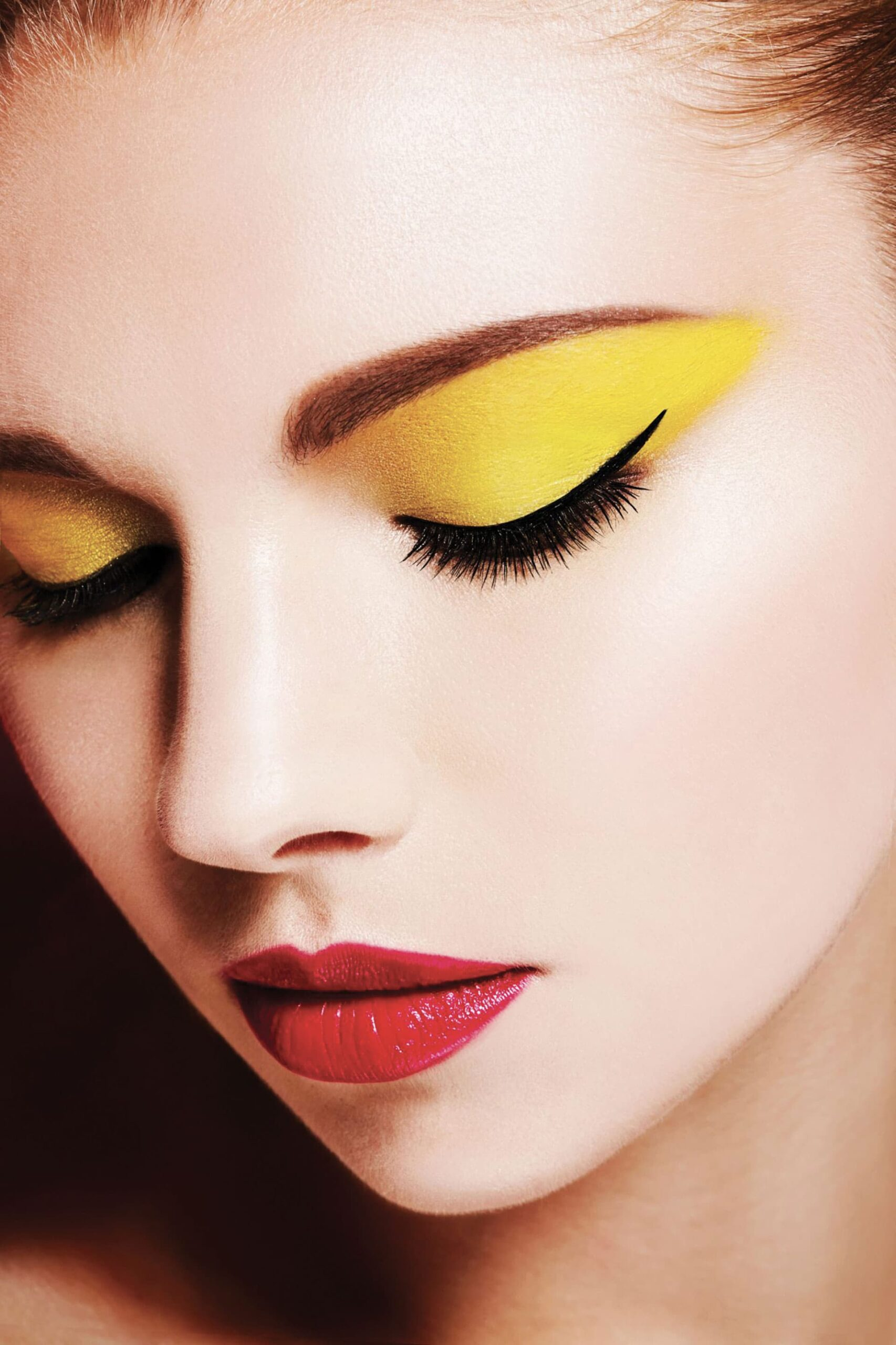 Tendenza Make up Estate 2021 Dal limone al fluo, il make up è giallo