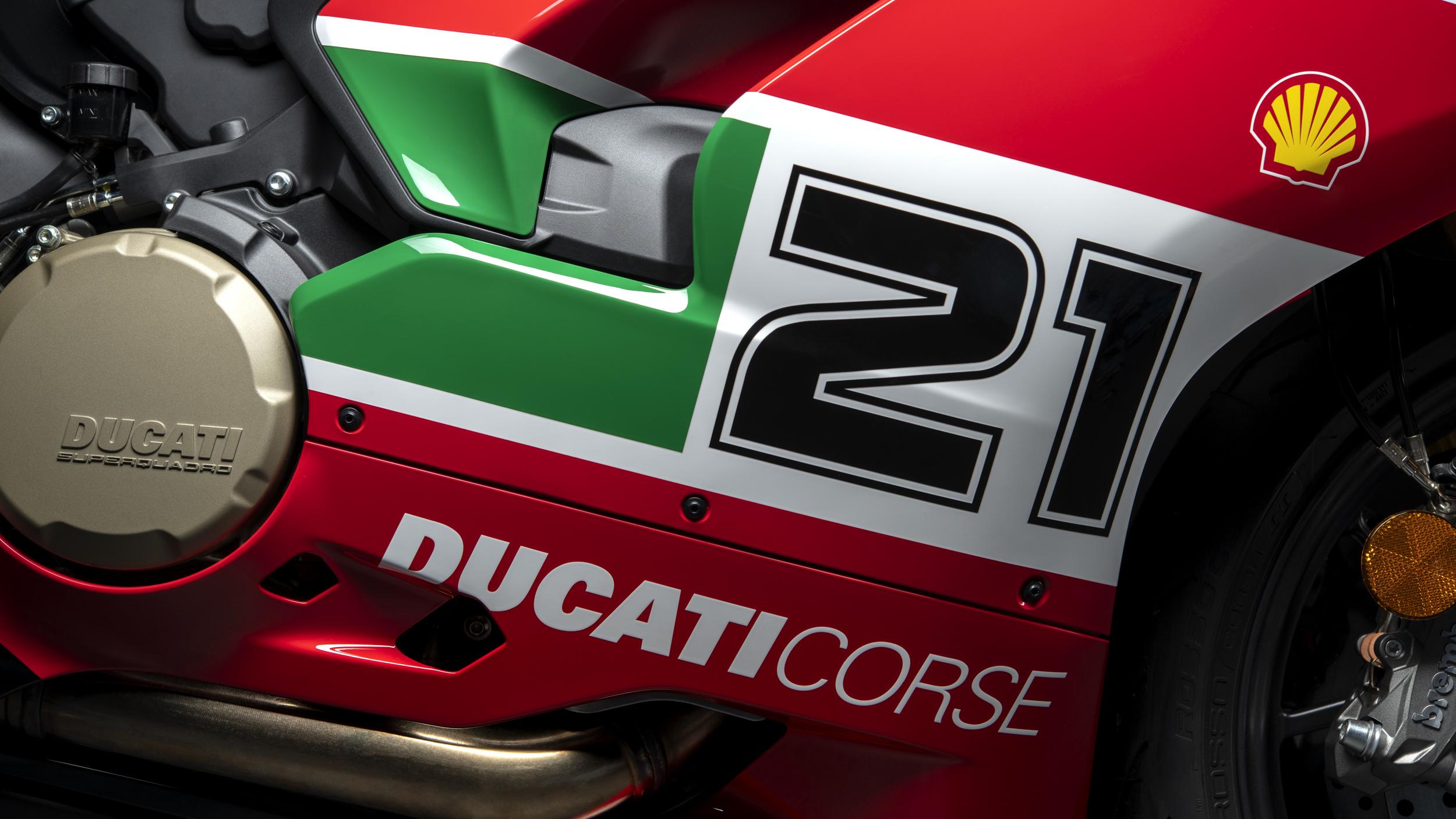 Ducati Panigale V2 Bayliss 1st Championship 20th Anniversary Un omaggio ad un gigante del motociclismo